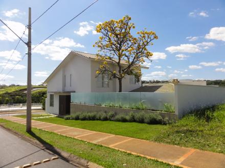 casa_arquitetura_uberlandia_ipe_cerrado_condominio